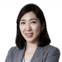 Jee-Hyun (Julia) Kim
