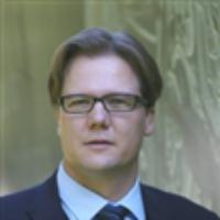 Dr Simon Planzer